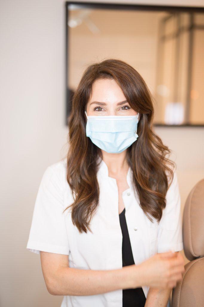 Cosmetische behandeling door Elizabeth